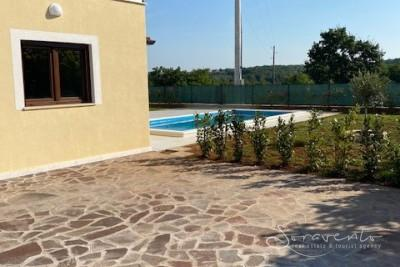 Attractive house with pool surrounded by greenery, Kaldanija